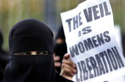 veils liberate women claim Muslims